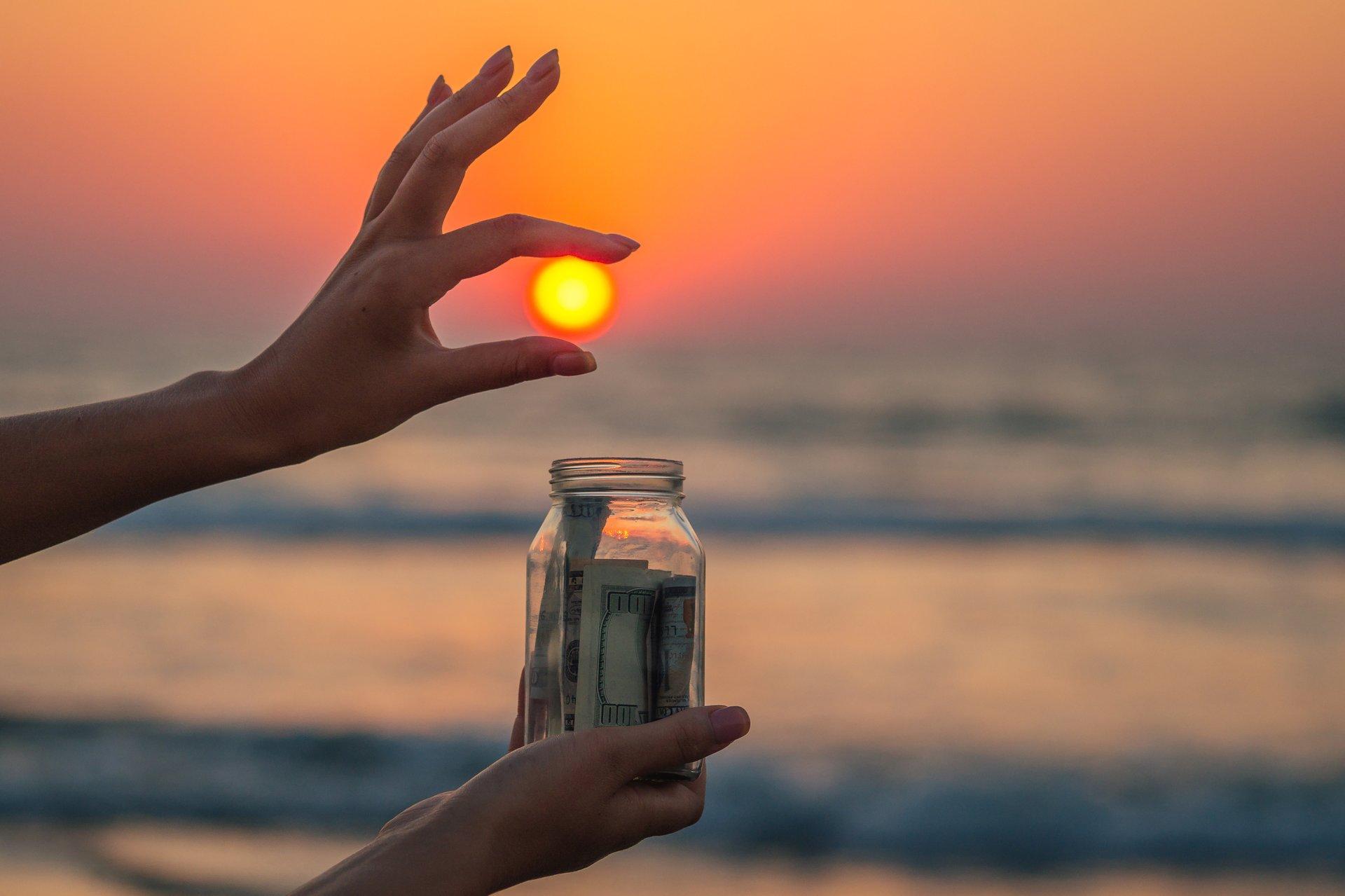 Retirement glass jar with money