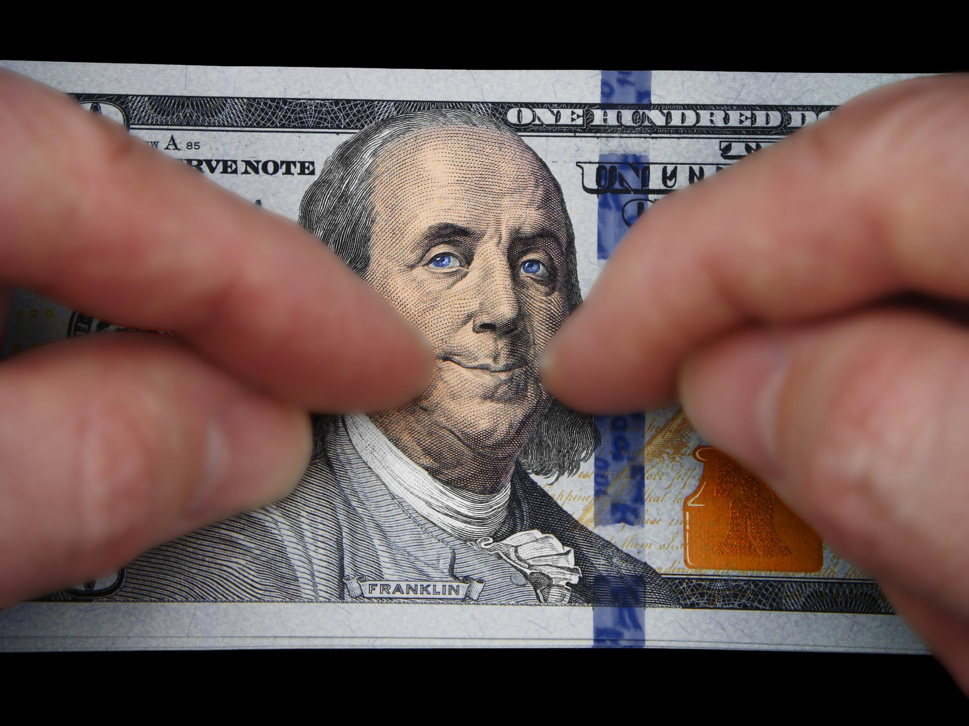 Benjamin Franklin smiles on a $100 bill because he is providing passive income
