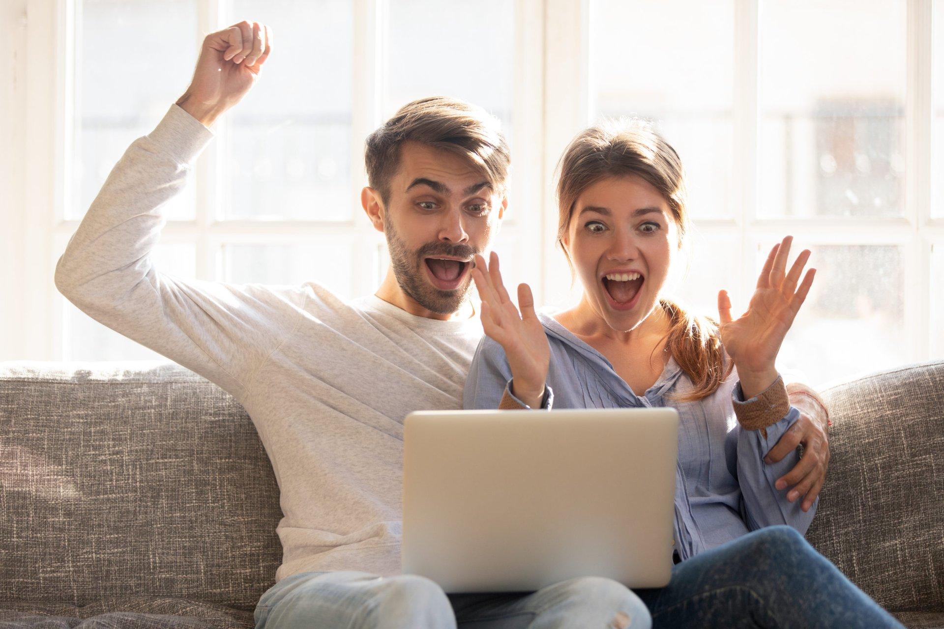 Couple w Computer