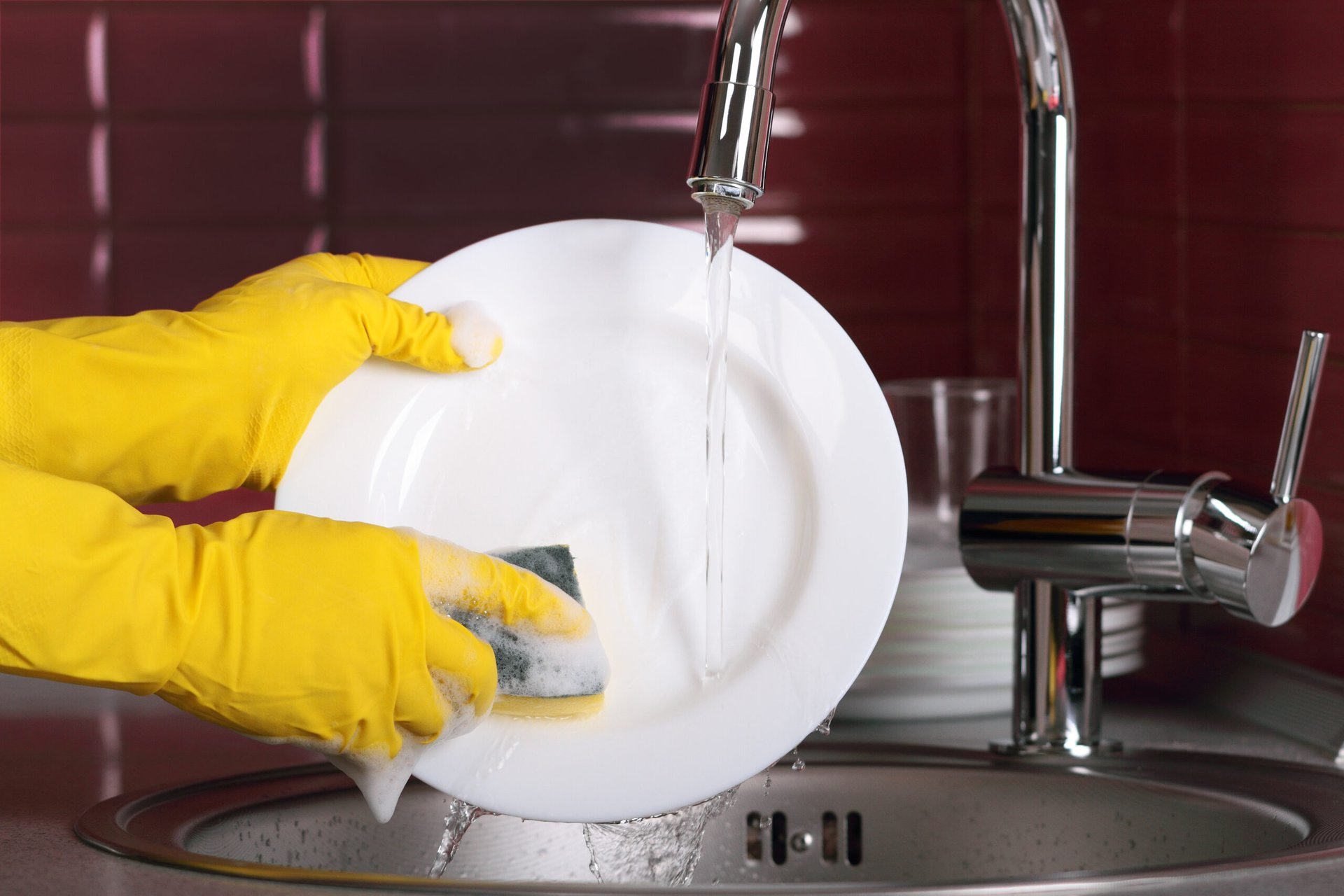 Washing dishes by hand