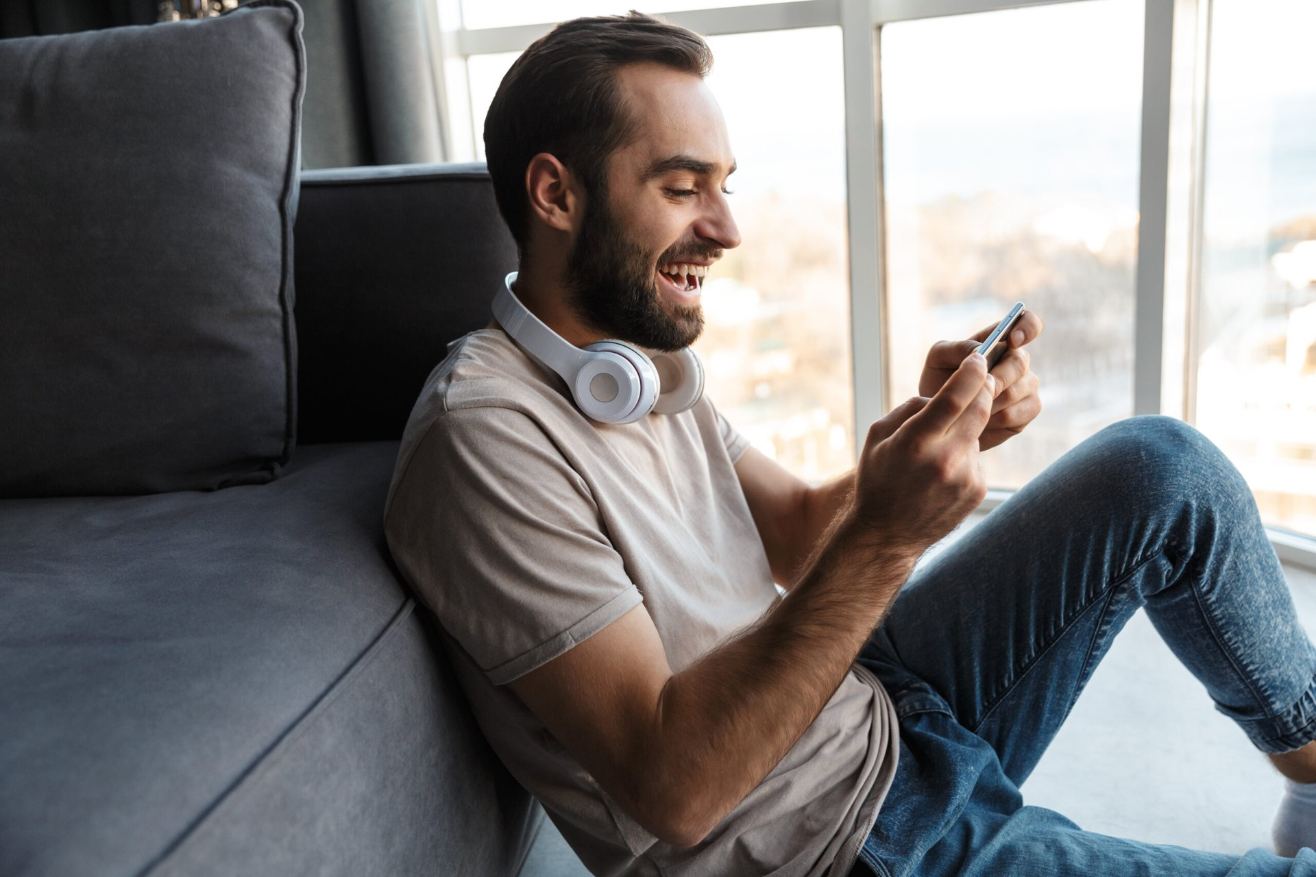 Man excited about his phone plan