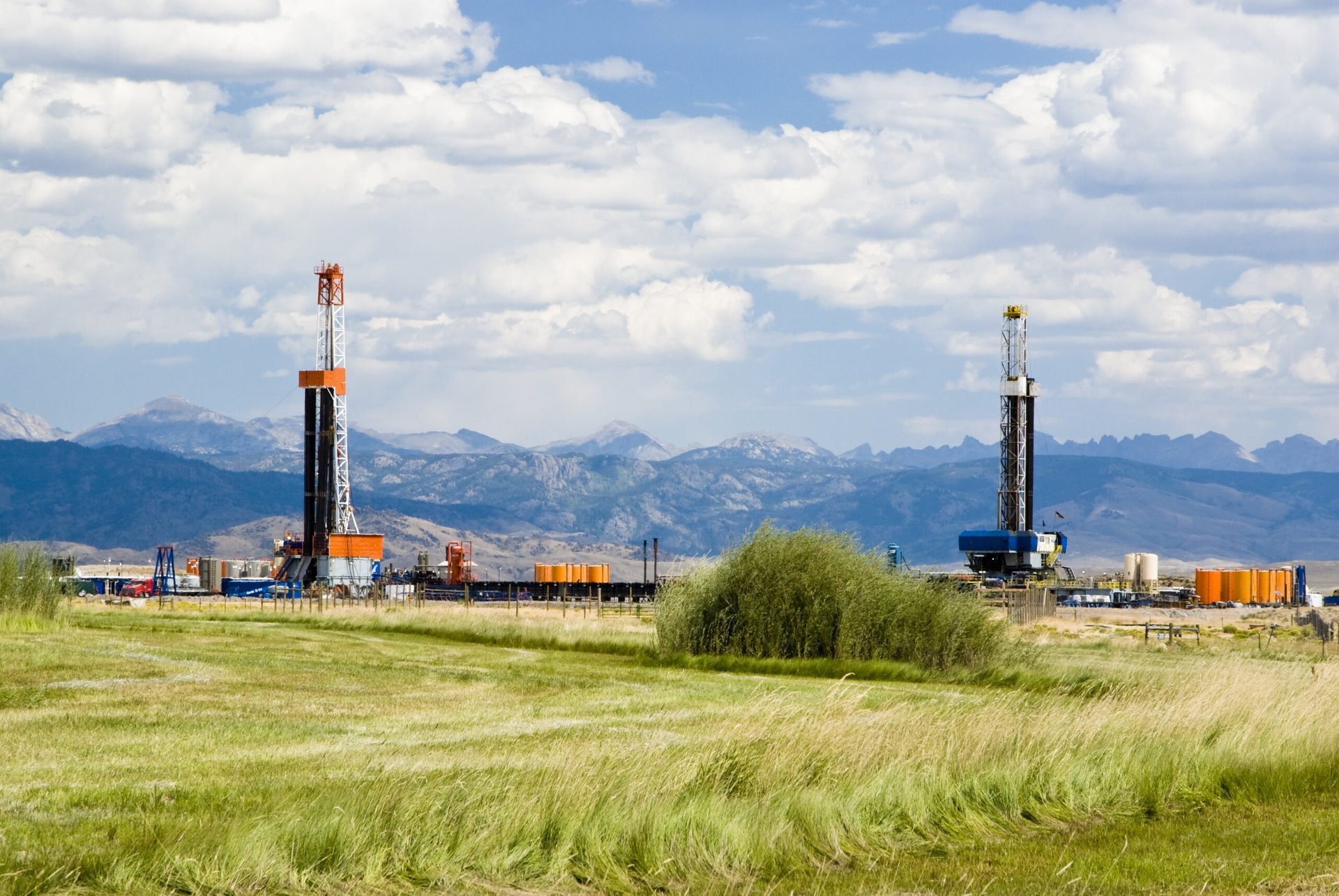 Wyoming oil rigs