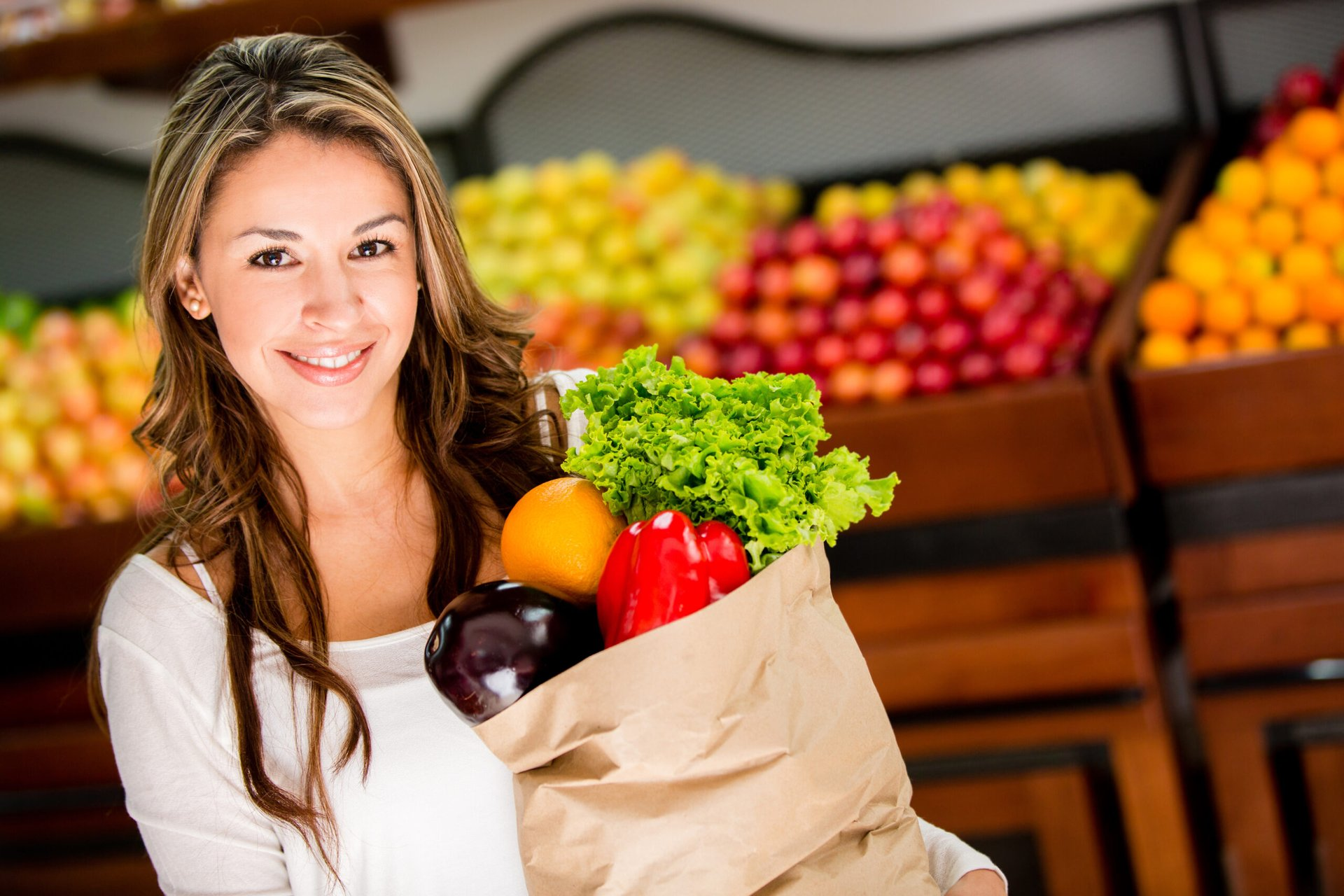 Woman who is grocery shopping