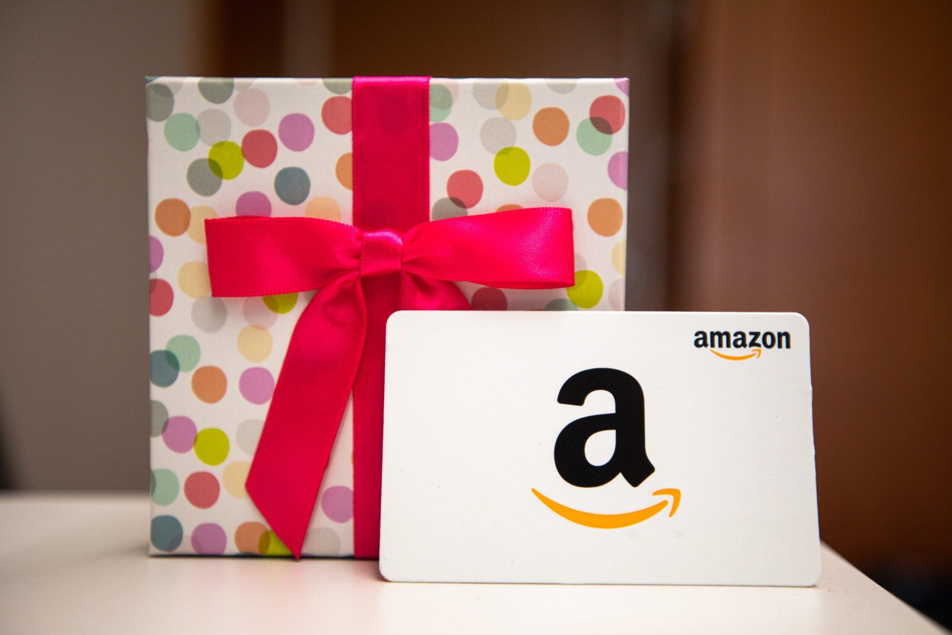 Amazon gift and gift card