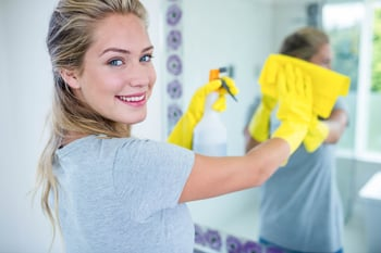 7 Tricks to Cleaning Your Bathroom in Minutes