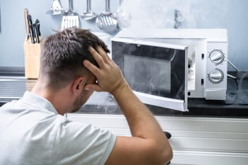 8 Things You Should Never Put in a Microwave