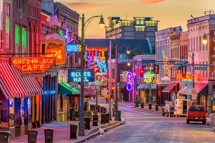 Memphis, Tennessee in the evening.