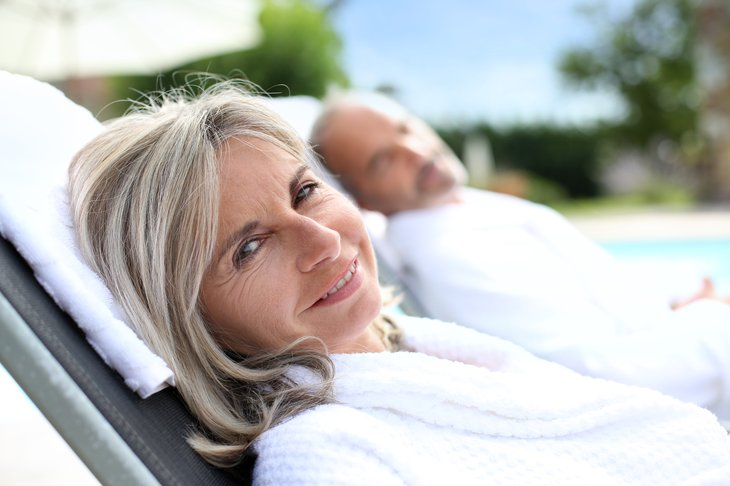 relaxed retirees