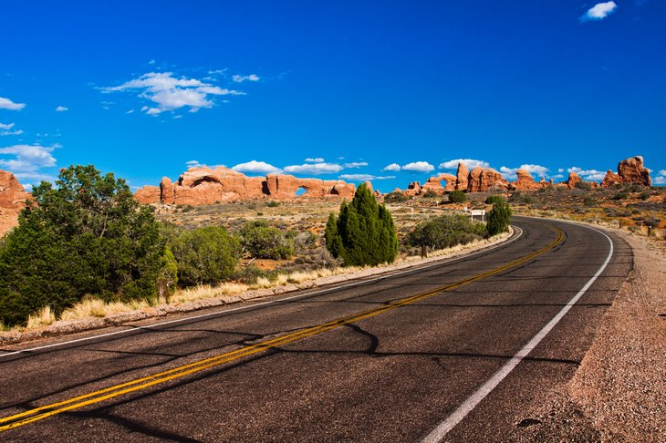 You don't want to be on this lonely desert road in Arches National Park, Utah om a hot summer day with an over-heated car.