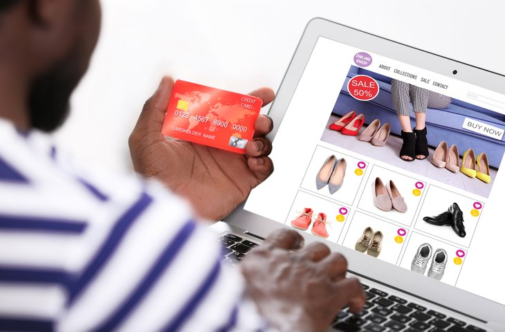 Man shopping online.