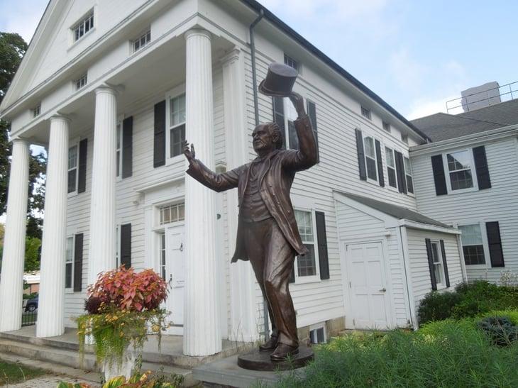 P.T. Barnum statue, Bethel