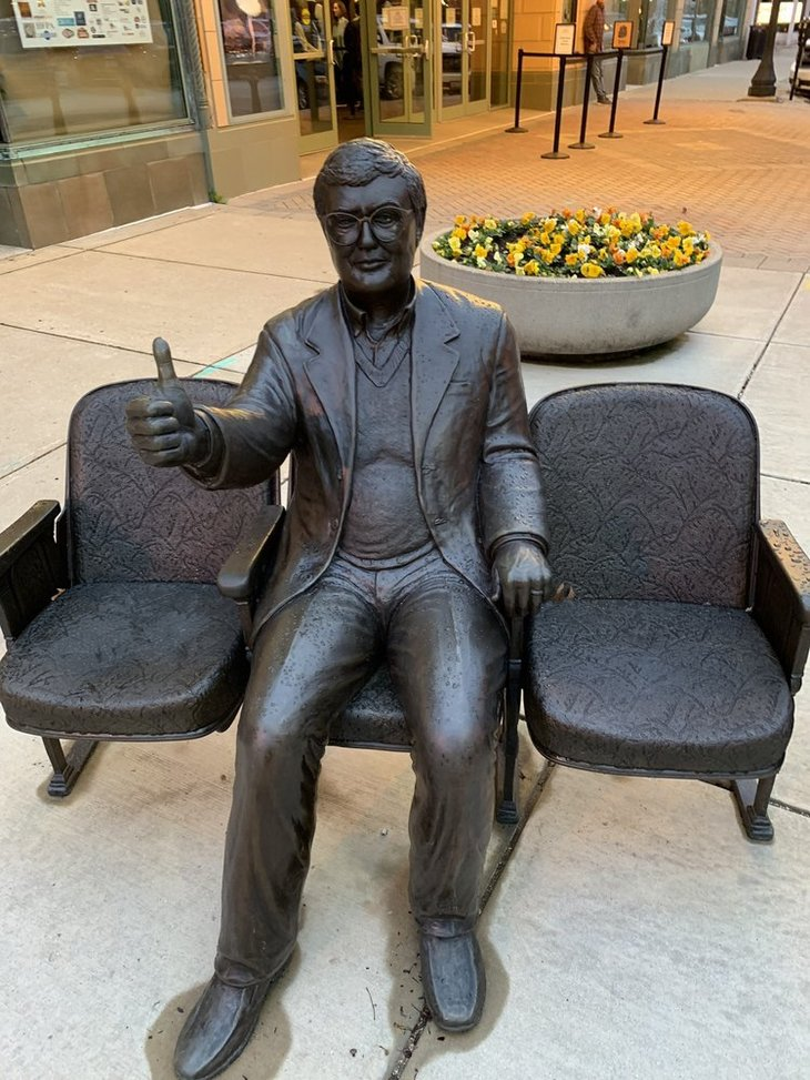 Roger Ebert statue, Champaign-Urbana
