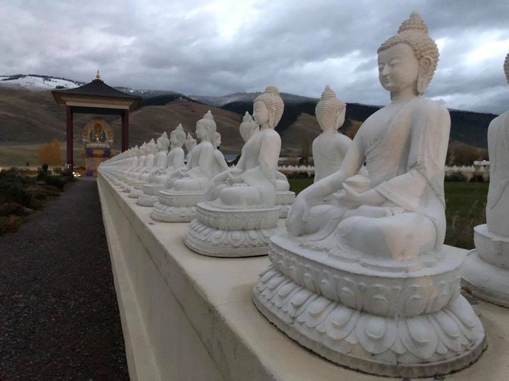 Garden of One Thousand Buddhas, Arlee