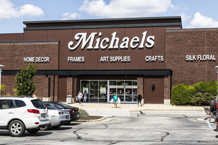 Michael's craft store exterior