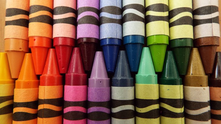 Crayola crayons in different colours