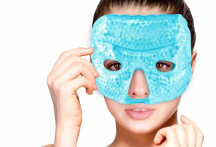 The FOMI Hot and Cold Therapy Gel Bead Facial Eye Mask