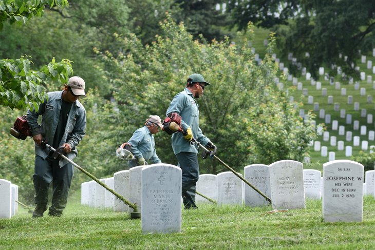 Workers at Arlington Cemetery, Virginia