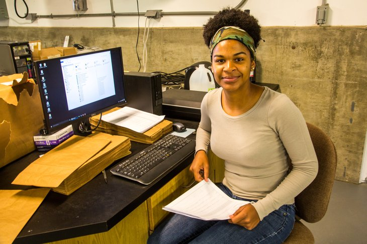 North Platte, Nebraska - A student from the West Indies working at the Pestiside application Technology lab, University of Nebraska, Lincoln -