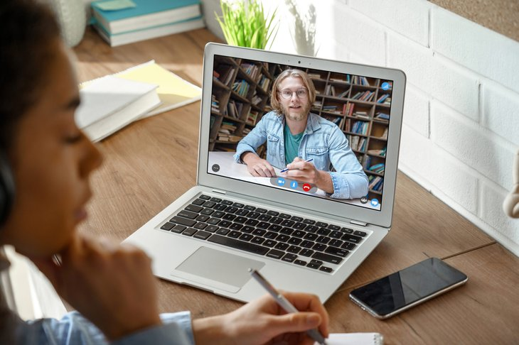 Long distance learning between doctor and student via laptop teleconference