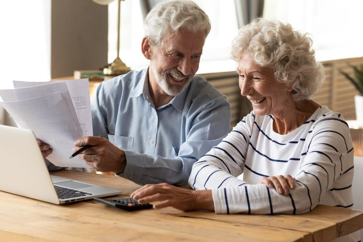 seniors reviewing Medicare Advantage plans