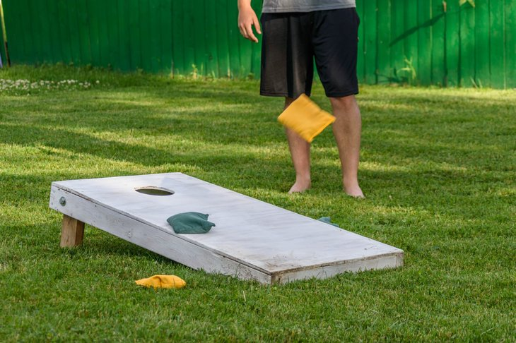outdoor cornhole game