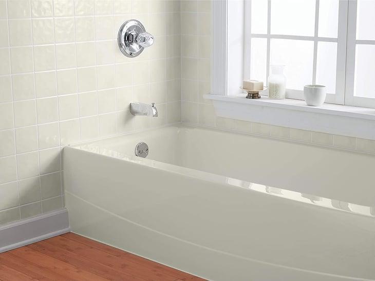 Rust-Oleum tub and tile refinishing kit on Amazon