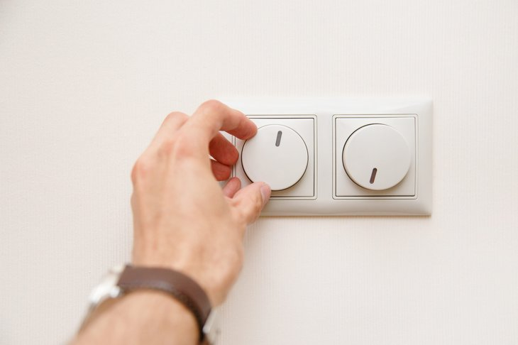 Electrical light dimmer switch