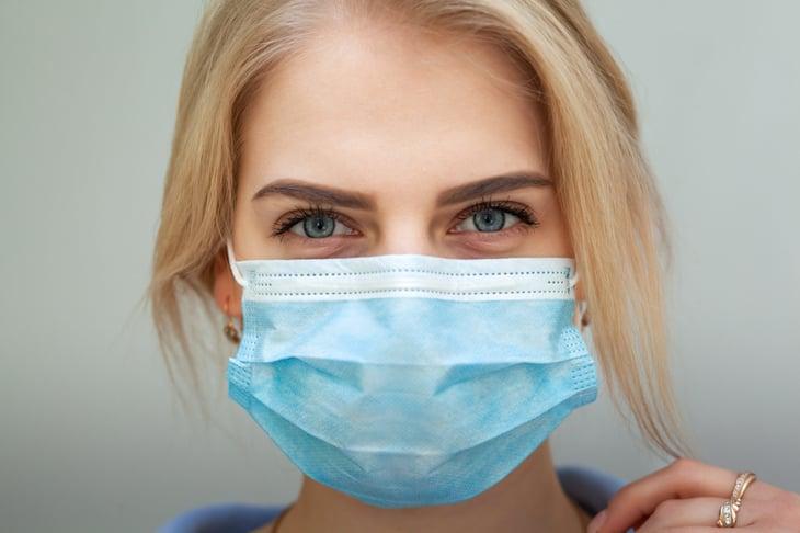 Woman with coronavirus mask.