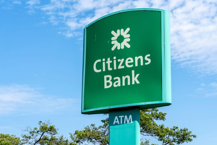 Citizens Bank Sign