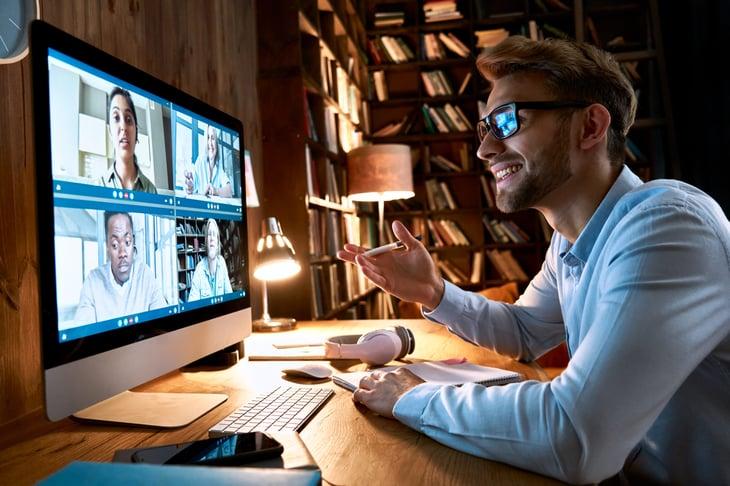 remote worker virtual meeting