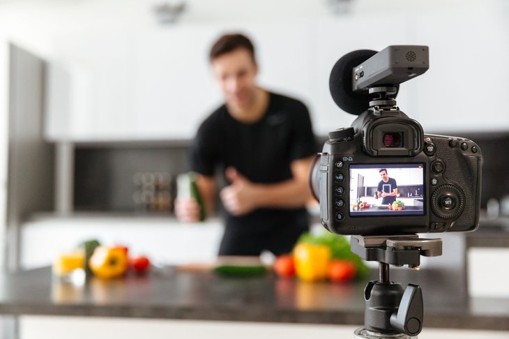 video cooking show YouTube blogger