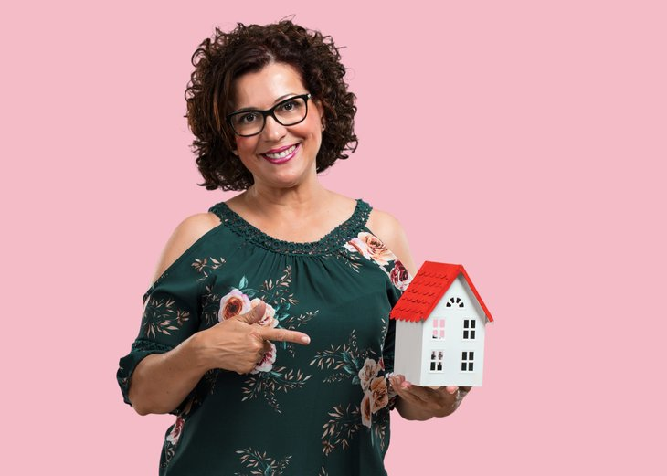 single woman buying a home