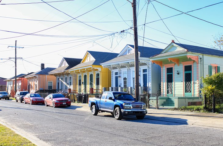 New Orleans Louisiana homes power lines