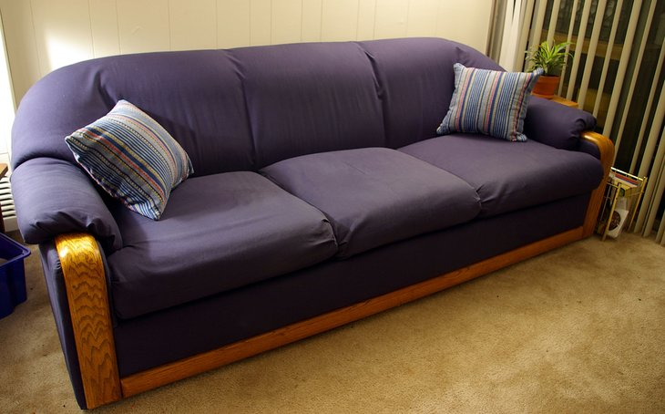Couch 57853905_daca8d4a9d_b