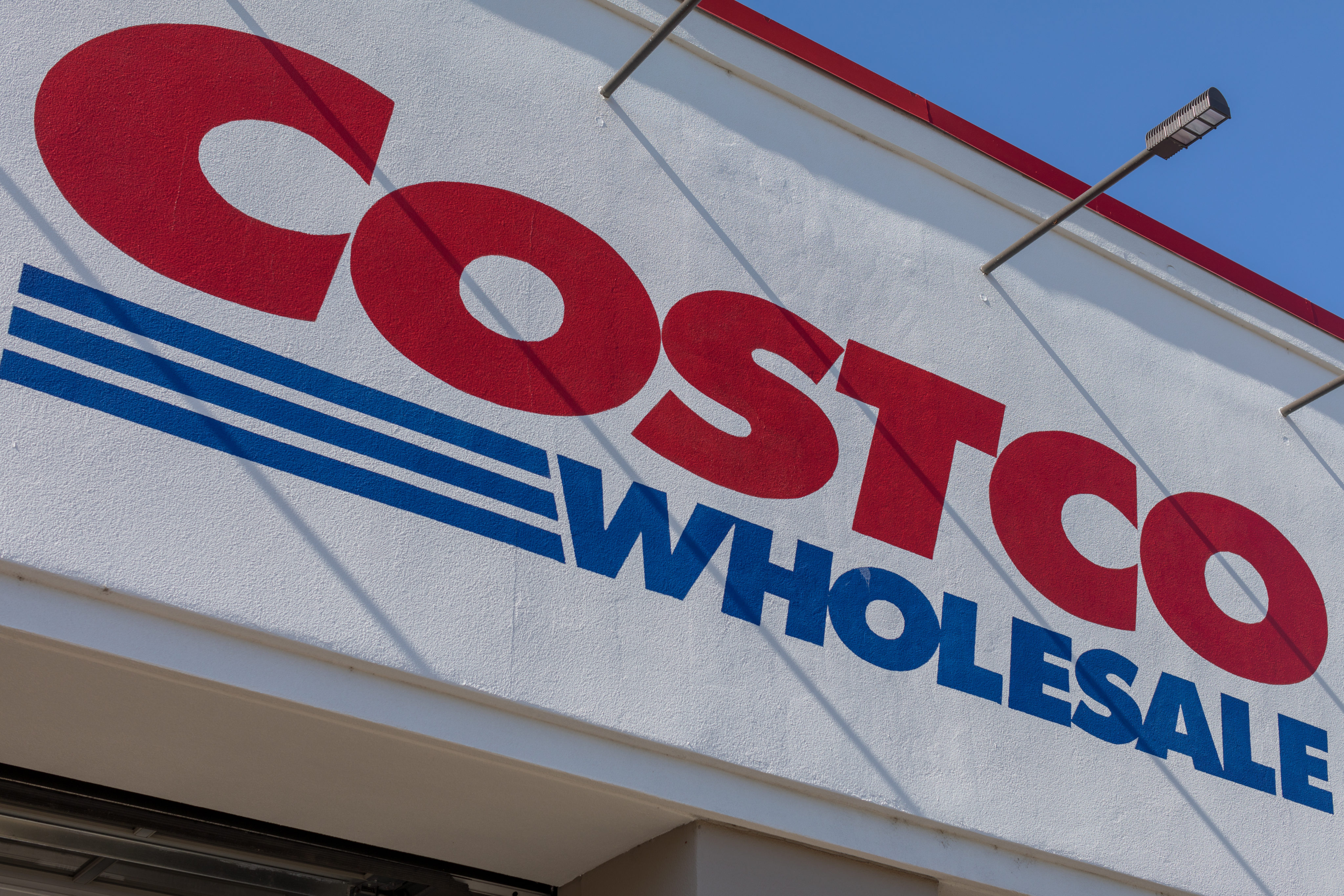 7 Ways to Shop at Costco Without a Membership  32c795537