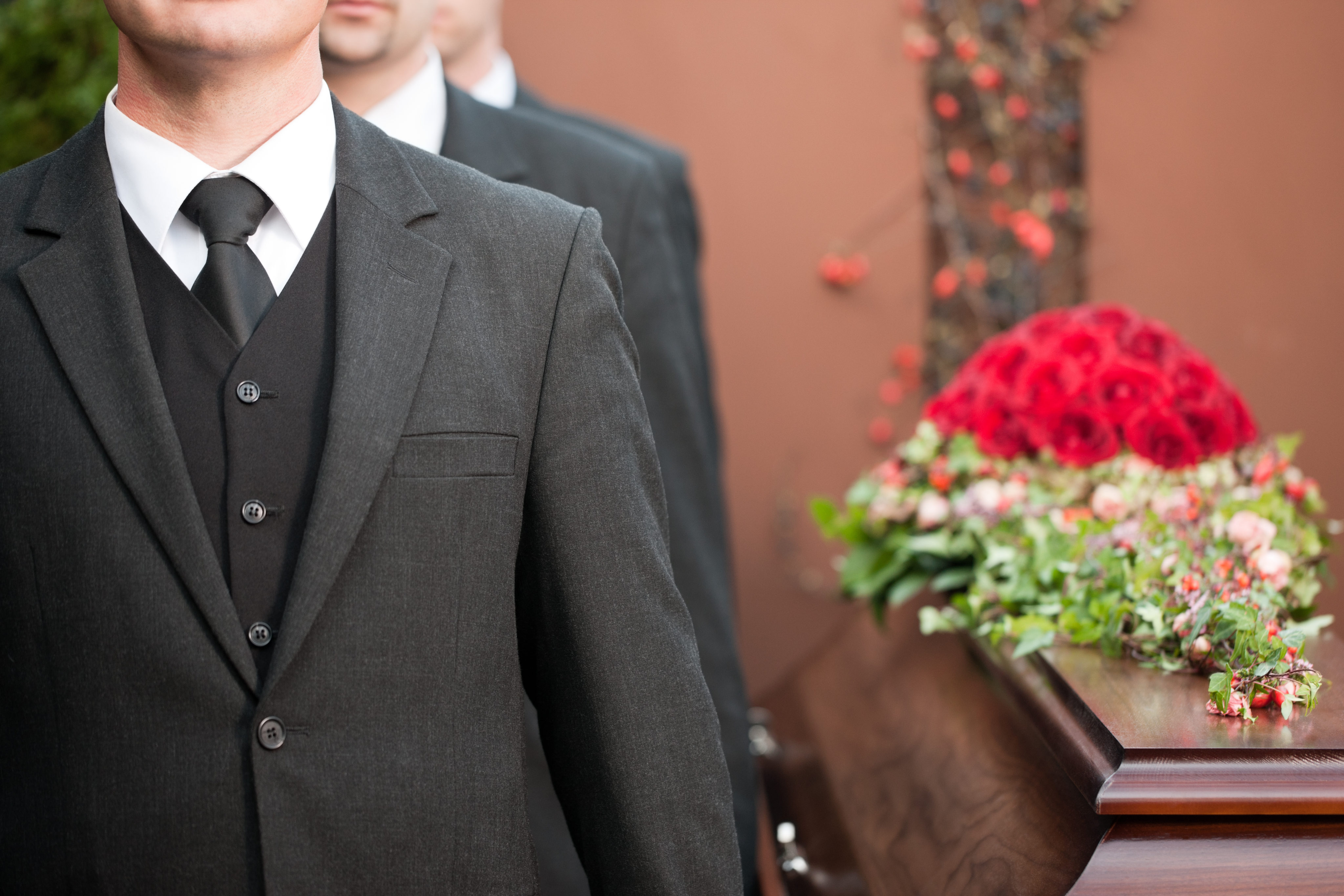 How to Manage the Costs of a Funeral | Money Talks News