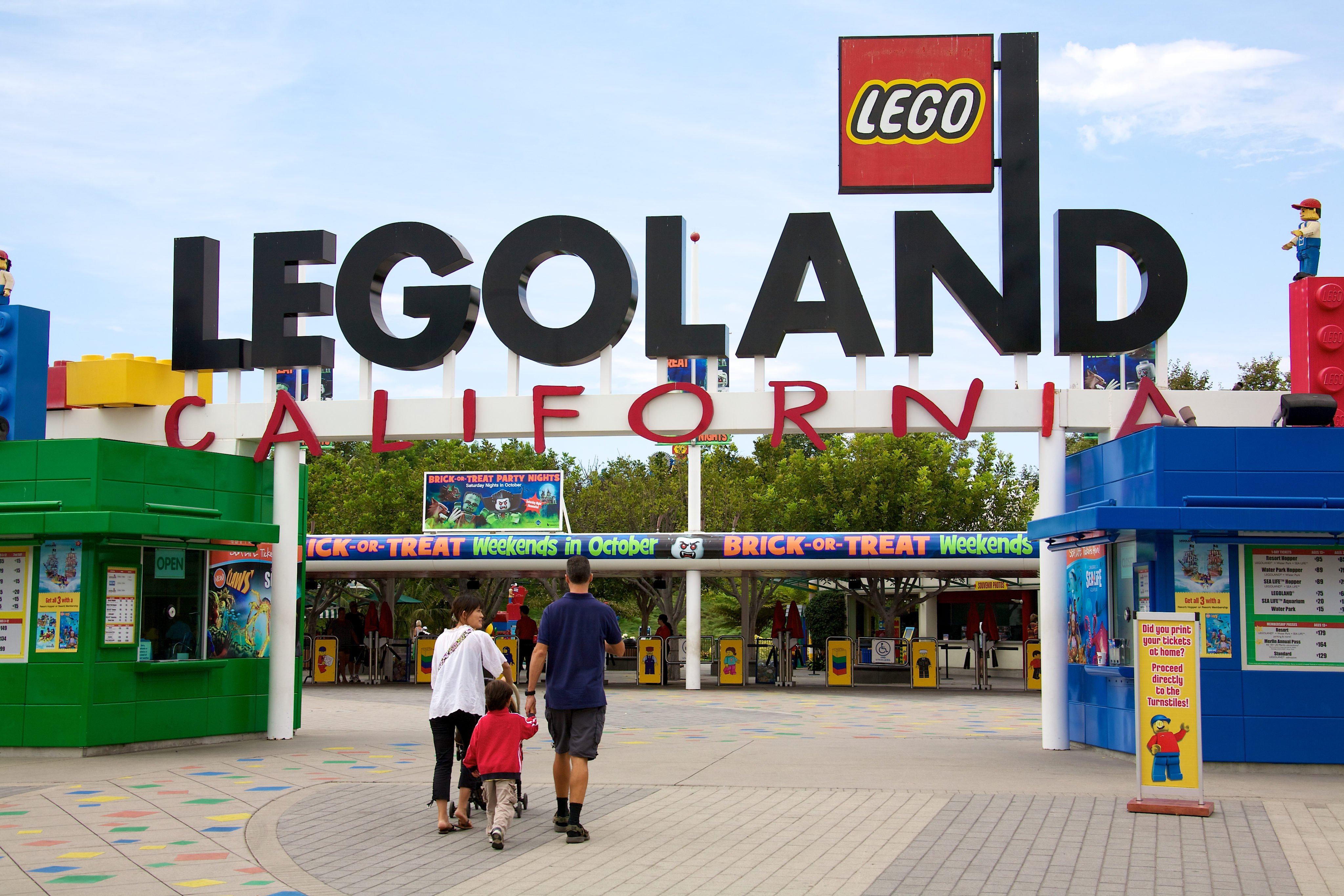 9 Legoland Locations Offering Free Kids Ticket | Money ...